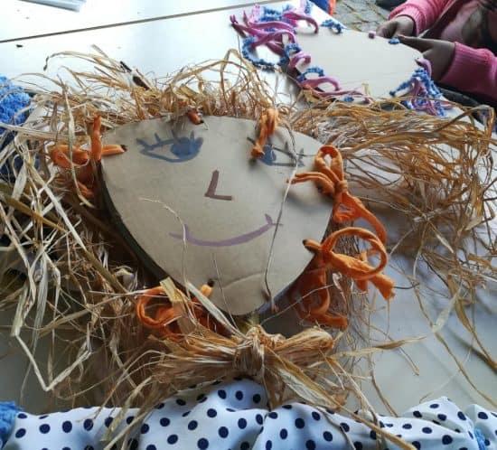 Barroca 39686746_478766775924556_4888714363956887552_n-550x498 Oficina de Espantalhos na Feira da Tôr Arte Atividades Parcerias  tradições locais Tôr experiências criativas espantalhos barrocaworkshops barroca 2018 Algarve
